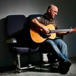 Lou Dynia Gitarre